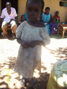 Yasim, eines der Waisenkinder